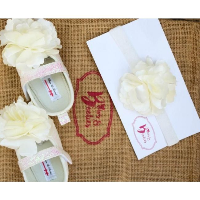 Bows & Booties Matching Headbands & Baby shoes - Pretty White