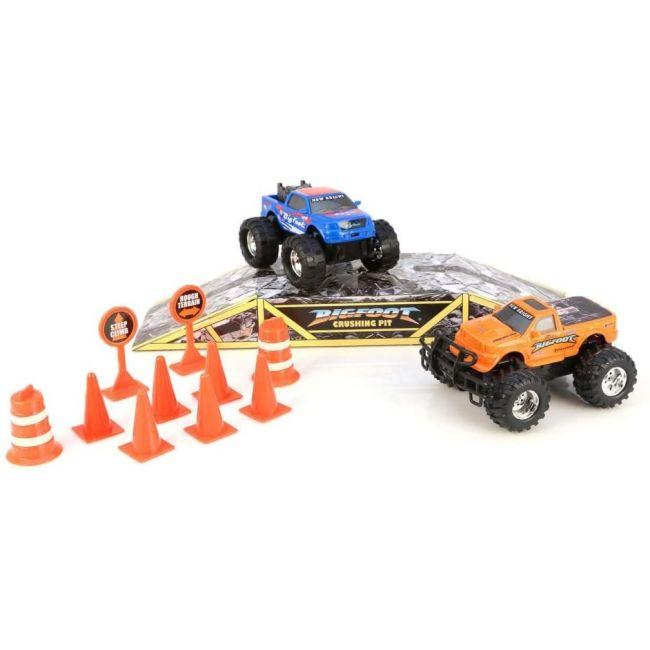 New Bright - Toy 5 Big Foot Monster Trucks Play Set